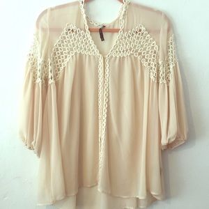 Ark & Co. cream Blouse sz Medium